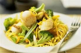 recette cuisine chinoise nouilles chinoises aux coquilles jacques et légumes