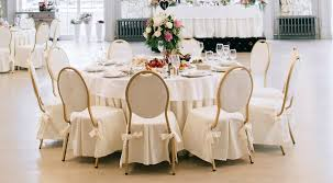 how many can sit at a 60 round table how many chairs does a 60 round table fit round designs