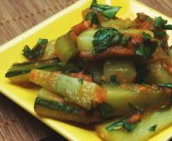 cuisiner les concombres poêlée de concombres à la tomate recette de poêlée de concombres à