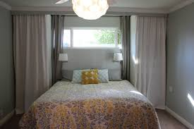 furniture small bedroom with queen size bed without headboard
