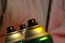 bombe peinture pour tissu canapé peinture tissu bombe utilisation caractéristiques prix ooreka