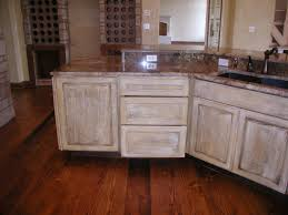 Distressed Kitchen Cabinets Pictures by 25 Best Ideas About Distressed Kitchen Cabinets On Pinterest