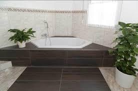 badezimmer mit eckbadewanne modernes bad mit eckbadewanne gispatcher design 5002085