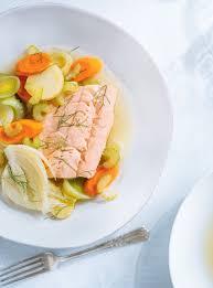 cuisiner le p穰isson recette de poisson et légumes au court bouillon ricardo yes
