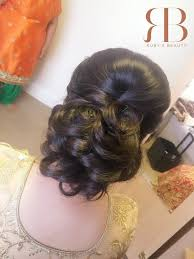 Playing Favorites Designers U0027 Wedding by Henna Artist Hayes Bridal Hairstyles Nisha Davdra London Makeup