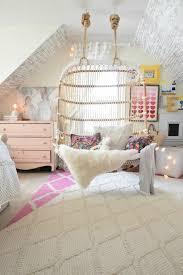 chambre coconing ambiance cocooning dans la chambre ado fille fauteuil suspendu en
