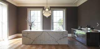 cuisine marbre blanc statuaire îlot et plan de travail de cuisine élégant et