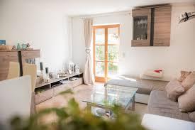 Wohnzimmer Alte Und Neue M El Häuser Zum Verkauf Holzkirchen Mapio Net