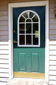 painting the front door is an easy project that really changes the whole look of the house seriously the house looks faaaaaancy now that the door is dark