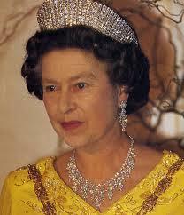 Wedding Gifts Queen Elizabeth The Cambridge Lovers U0027 Knot Tiara Worn By Queen Mary Queen