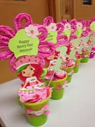 Homemade Table Centerpieces For Parties by Best 25 Strawberry Shortcake Centerpieces Ideas Only On Pinterest