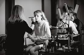 need a makeup artist suzanne neace photographyfive reasons you need to use a makeup