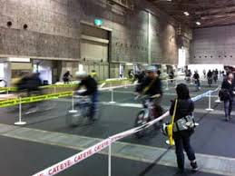 トライアスロンでエネルギー循環 日本最大級の自転車
