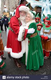 new york ny usa 27th nov 2014 santa claus in attendance for