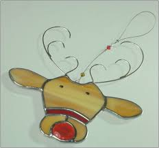 stained glass reindeer ornament by rainbowstainedglass