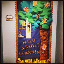 theme classroom decor jungle safari themed classroom door decor idea