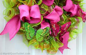 flip flop wreath party ideas by mardi gras outlet flip flop ruffled ribbon wreath