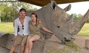 best cv exles australia zoo derek hough visits bindi irwin at australia zoo melissa joan hart