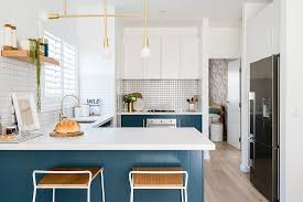 best wall color with oak kitchen cabinets best kitchen color combinations with white 45 trendy ideas