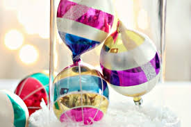 cheap decorations sparkle save 20 cheap diy christmas decorations thegoodstuff