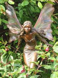 garden ornaments to decorate your garden gardens and