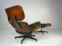 Eames Lounge Chair In Room Home Design Original Eames Lounge Chair Exterior Contractors