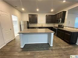 esperanza oak kitchen cabinets 497 esperanza dr buda tx 78610 realtor