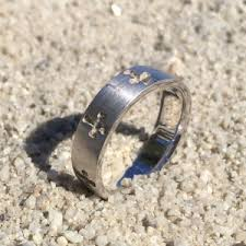 avalon wedding band wedding ring lost island tag the ring finders