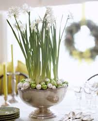 White Christmas Centerpieces - musely