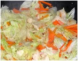 cuisiner choux chinois recette de choux chinois bouillon de chou chinois et raviolis aux