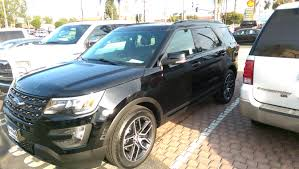 Ford Explorer Black - the official