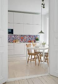idee tapisserie cuisine enchanteur papier peint cuisine moderne avec papier peint cuisine