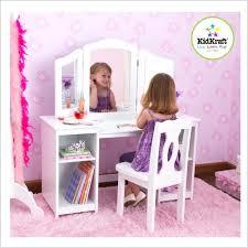 chambre de fille coiffeuse chambre fille charming bureau ado 8 pour coiffeuse chambre