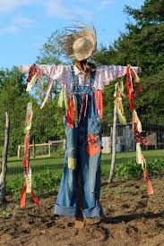 Homemade Scarecrow Decoration The 25 Best Scarecrows Ideas On Pinterest Scarecrow Ideas Diy
