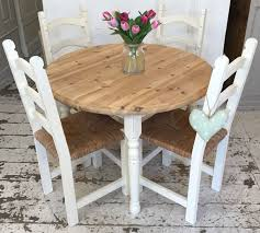 Shabby Chic Table by 4 X Rush Seated Shabby Chic Chairs Home Sweet Homehome Sweet Home