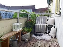 kleine balkone kleiner balkon gestaltungsideen leseecke skandinavisch kleine