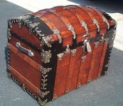 beautiful travel trunks the steamer trunk worldwide authority on antique steamer trunks