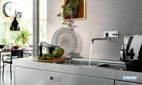 robinet cuisine mural robinet mural pour évier avec bec pivotant axor uno espace aubade