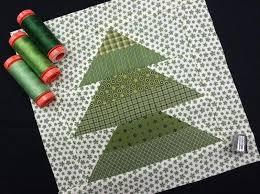 free christmas tree quilt block tutorial craftsy mug rug