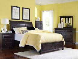 Bedrooms With Yellow Walls Bedroom Fabulous Raise Volume Broyhill Bedroom With Elegant