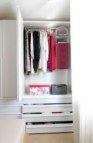 Wardrobe Organiser Ideas by How To Organize Your Closet In 3 Stepsi Helpling Uae Blog