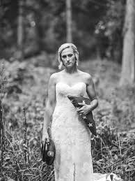 Michigan travel alone images After fianc 39 s death michigan bride poses for wedding photos alone jpg
