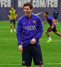 Lionel Messi Leg Revealed Pictures Of Lionel Messi S Brand Leg Sleeve