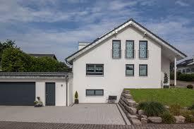 Eigenheim Gesucht Häuser Individuell Geplant Und Massiv Gebaut Baumeister Haus