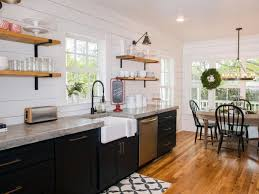 chip and joanna farmhouse farmhouse chic 10 home decor tips from chip and joanna gaines
