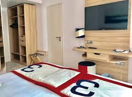 chambres communicantes vacances dans le var en bord de mer réservez une chambre familiale