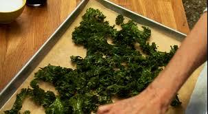 comment cuisiner le kale chips de kale par josée di stasio di stasio téléquébec