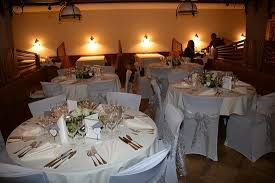 mise en place pour mariage à notre restaurant picture of hotel - Restaurant Mariage