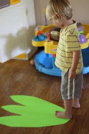 measuring with dinosaur feet i can teach my child