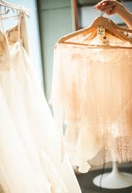 wedding dress sle sale london 10 tips for wedding dress shopping at a trunk show or sle sale